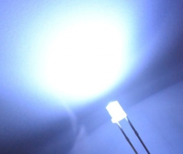 3mm LED Flat Top Ultra Weiß 3 Volt / 20 mA